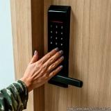 instalação fechadura biométrica preços Mansões